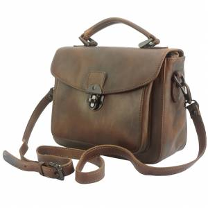 Montaigne GM vintage leather Handbag