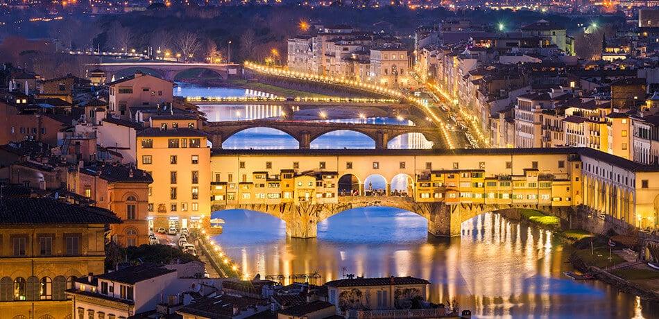 BORSE IN PELLE MADE IN ITALY. La tradizione della pelletteria artigianale  che da Firenze ... d2bbc695175